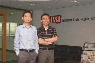 ISSI analog product line marketing director, KC Chun (left), and DRAM marketing manager, Sherman Hsu (right).