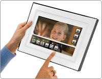 Kodak's P520 touch panel digital photo frame