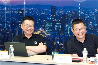 Colley Hwang, founder & president, DIGITIMES (left) and Winston Hsu, professor, Department of Computer Science and Information Engineering, NTU
