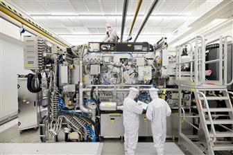ASML+to+take+semiconductor+equipment+lead