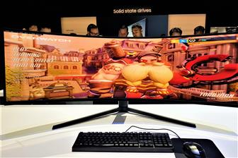 Samsung+showcasing+its+curved+gaming+monitors+at+CES+2020