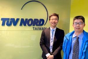 Jack Liao (right), senior manager of Product Certification and David Lin (left), senior technical m