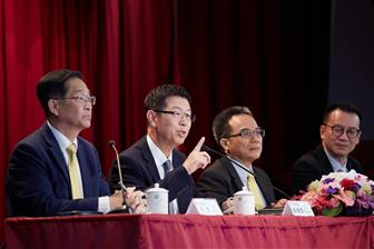 Foxconn+chairman+Young+Liu+%28second+from+left%29