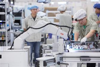 Manufacturers+are+mulling+leaving+China